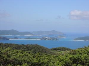 北山(ニシヤマ)から慶良間海峡を望む