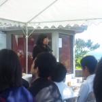 慰霊祭に参列した中学生